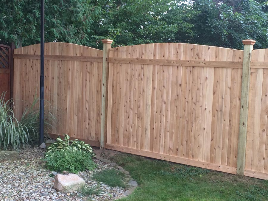 wood and vinyl fencing contractor